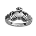 Claddagh Ring in Sterling Silver (medium)