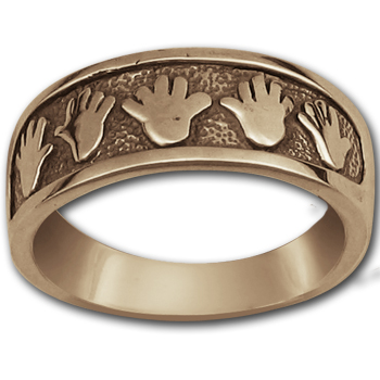 Hand Ring in 14K Gold
