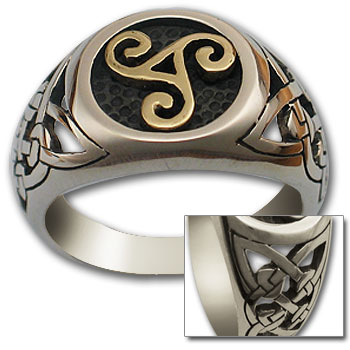 Triskele Ring in Silver & Gold